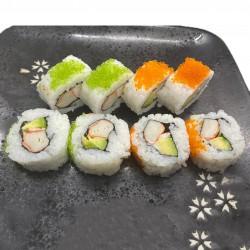 8 california roll (surimi, aguacate, gamba, mayonesa o cubierto de tobiko huevas de pez volador)